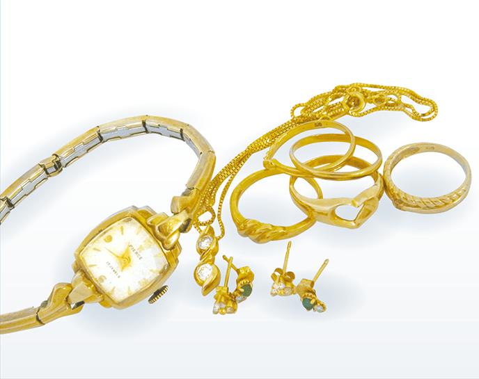 古い金無垢時計と指輪類