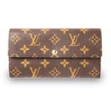 洗練されたエンヴェロップ風の財布といえば、ポルトフォイユ・サラ