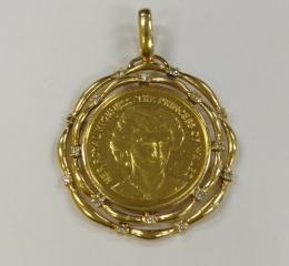 メダル付ペンダントトップ