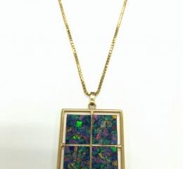 オパール風青石付ネックレス