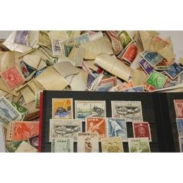 帰省したときに実家でみつけた大量のバラ切手