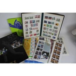 子供のときに収集していたという切手コレクション